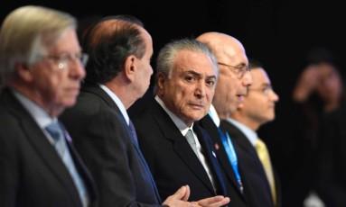 Presidente do Brasil, Michel Temer, chega para cúpula do Mercosul em Mendoza, na Argentina Foto: ANDRES LARROVERE / AFP