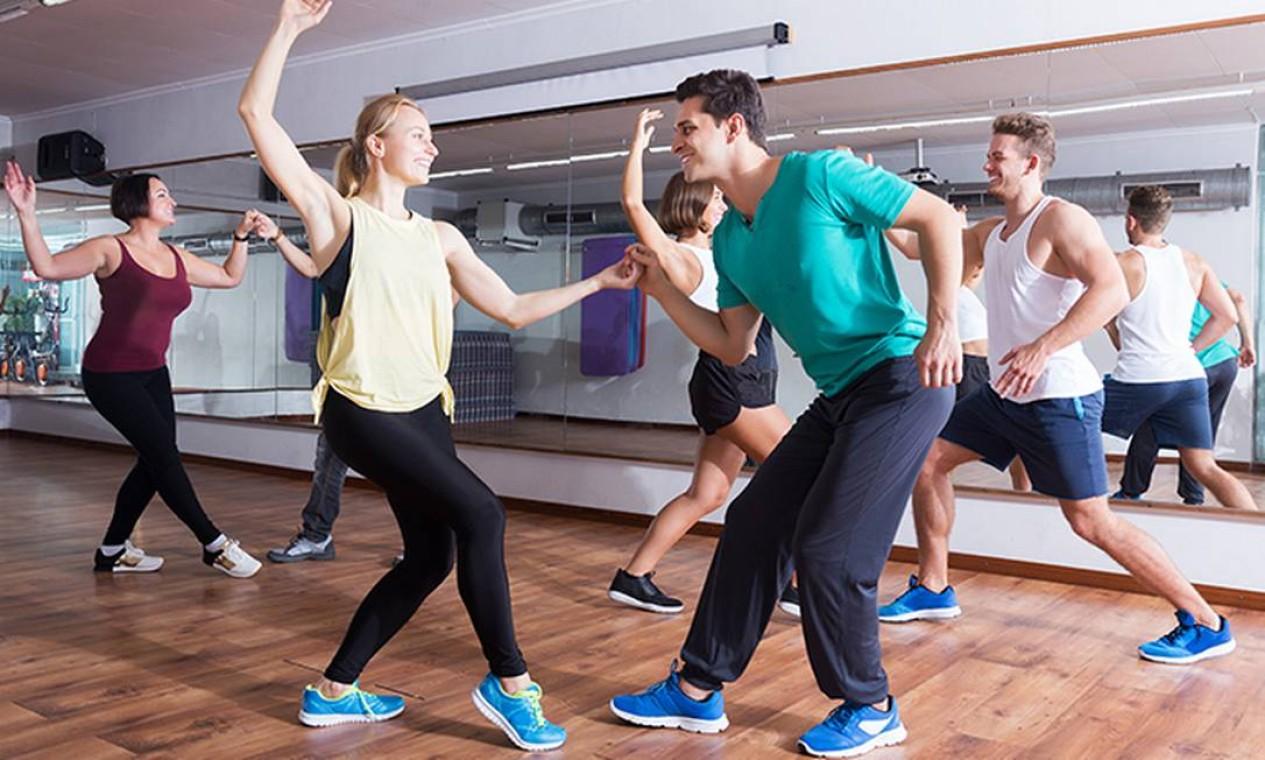 Dançar alivia tensões e desenvolve o condicionamento físico dos estudantes para aguentar longas horas de prova Foto: iStock