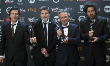 André Duprat, Gastón Duprat, Óscar Martinez e Marino Cohn comemoram as vitórias de 'O cidadão ilustre' Foto: Francisco Seco / AP