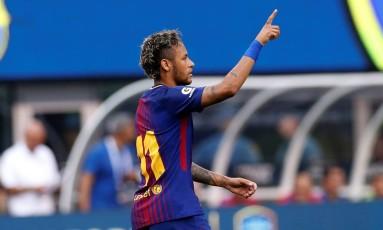 Neymar comemora um de seus gols neste sábado Foto: MIKE SEGAR / REUTERS