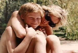 Princesa Diana e Príncipe Harry Foto: HANDOUT / REUTERS
