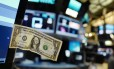 Dólar americano Foto: Mark Lennihan / AP