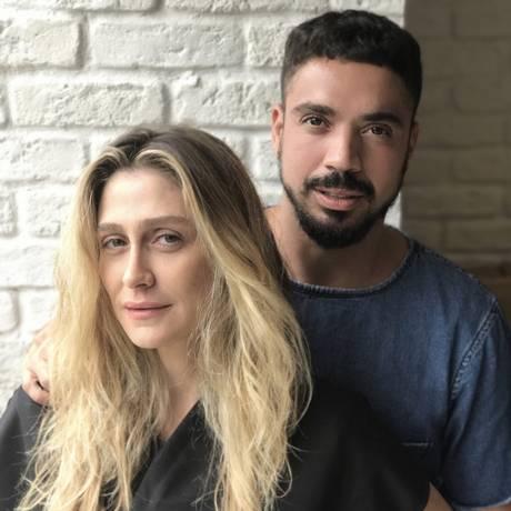 Felipe Freitas e Amora Mautner, dois convidados do Glamour Beauty Festival Foto: Divulgação