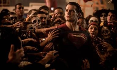 Henry Cavill em cena de 'Batman vs Superman: A origem da justiça' (2016) Foto: Divulgação