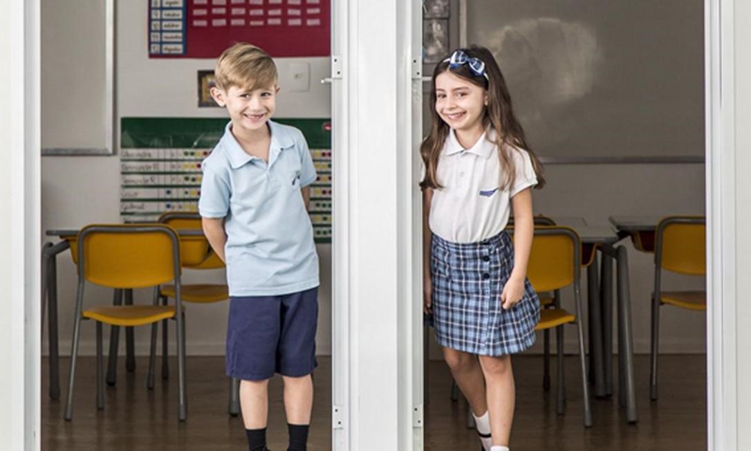 Apesar de estudarem separados, meninos e meninas socializam em eventos promovidos pela escola Foto: Monica Imbuzeiro