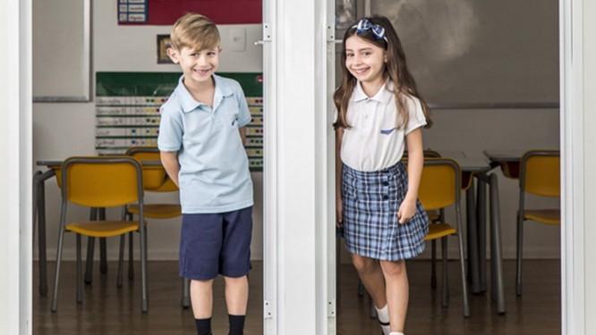 Apesar de estudarem separados, meninos e meninas socializam em eventos promovidos pela escola Foto: Hermes de Paula / Agência O Globo