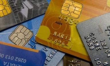 Pessoas emprestaram dados, cartão ou cheque para ajudar amigos e parentes Foto: Arquivo
