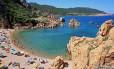 Costa Paradiso é conhecida por seus paredões de pedra Foto: WIKIPEDIA