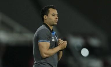 O técnico Jair Ventura na vitória do Botafogo sobre o Atlético-MG Foto: Alexandre Cassiano