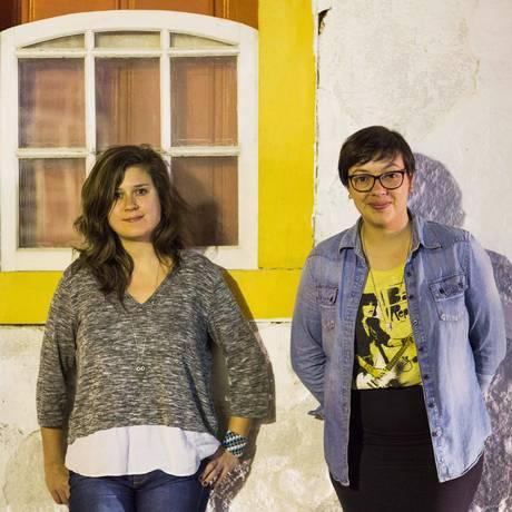 Carol Rodrigues e Natalia Borges Polesso, ganhadoras do Prêmio Jabuti Foto: Monica Imbuzeiro / O Globo