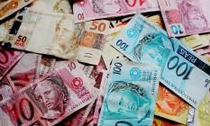 Cédulas de real Foto: Governo tem feito uma série de manobras para tentar equilibrar as contas