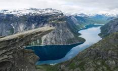 A pedra Trolltunga, um dos cartões-postais da Noruega Foto: Tore Meek / AFP