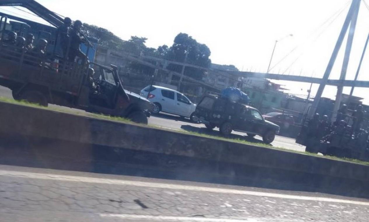 Carros das Forças Armadas já estão nas principais vias do Rio de Janeiro Foto: Foto do leitor / Foto do leitor