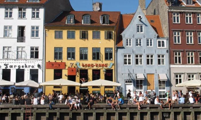 Nyhavn, o antigo porto de Copenhague que virou ponto de bares e restaurantes Foto: Eduardo Maia / O Globo