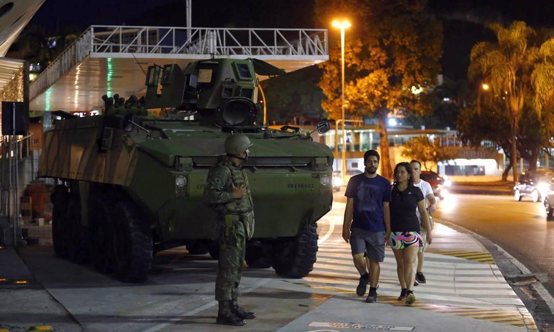 Fuzileiros Navais no Aterro do Flamengo Foto: Pablo Jacob / Agência O Globo