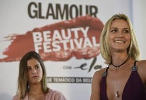 Shantal Abreu e Renata Kuerten em mesa do Glamour Beauty Festival, no Jockey Club Foto: ISMAR INGBER / Agência O Globo