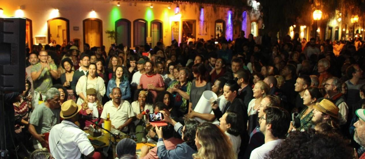 Encontro entre samba e literatura na Flip, em Paraty Foto: Clarice Motta / O Globo