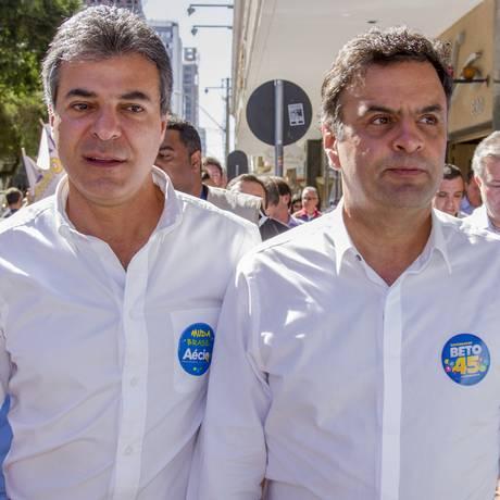 Beto Richa e Aécio Neves na eleição de 2014: PSDB enfrenta dificuldade de renovação de quadros para 2018 Foto: Paulo Lisboa/02-08-2014 / Brazil Photo Press