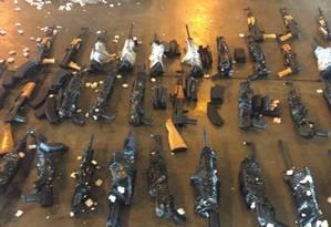 Fuzis foram apreendidos no Galeão em junho deste ano Foto: Divulgação/Polícia Civil