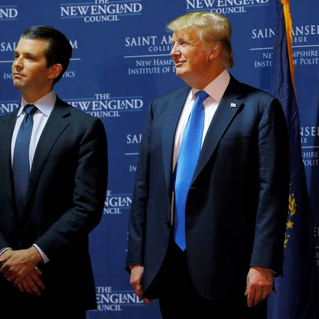 Donald Trump Jr. e seu pai durante campanha presidencial nos EUA Foto: Brian Snyder / REUTERS