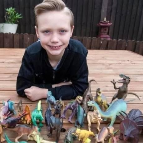 Charlie Edwards, de 10 anos, é