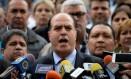 Presidente da Assembleia Nacional, Julio Borges, fala em entrevista coletiva após votação da Constituinte em Caracas Foto: FEDERICO PARRA / AFP