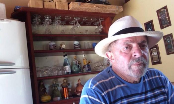 Lula no sítio de Atibaia, em foto tirada pelo ex-engenheiro Paulo Gordilho, da empreiteira OAS, responsável por parte das obras que levaram o ex-presidente à condenação Foto: Reprodução