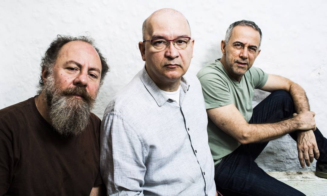 Trio. A partir da esquerda: Bi Ribeiro , Herbert Vianna e João Barone Foto: Monica Imbuzeiro /