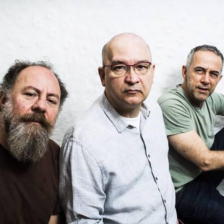 Trio. A partir da esquerda: Bi Ribeiro , Herbert Vianna e João Barone Foto: Monica Imbuzeiro