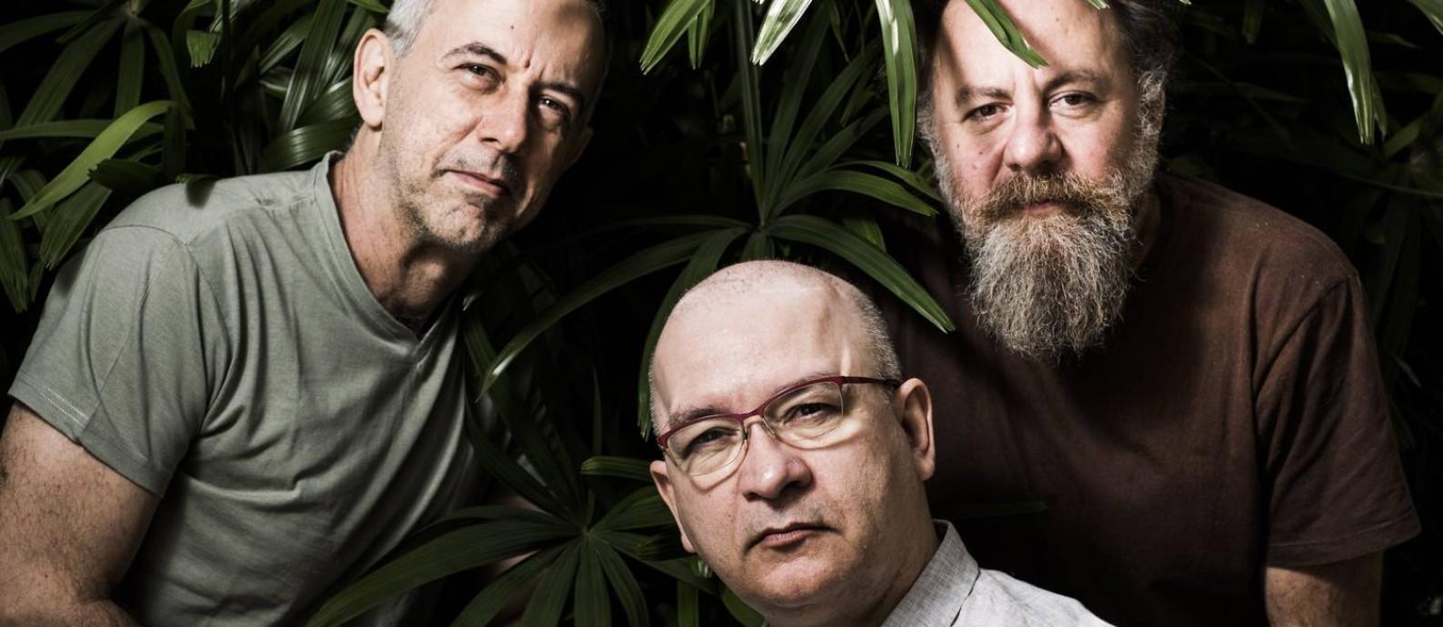 João Barone (à esquerda), Herbert Vianna e Bi Ribeiro relembrarão os sucessos do grupo Foto: Monica Imbuzeiro / Agência O Globo