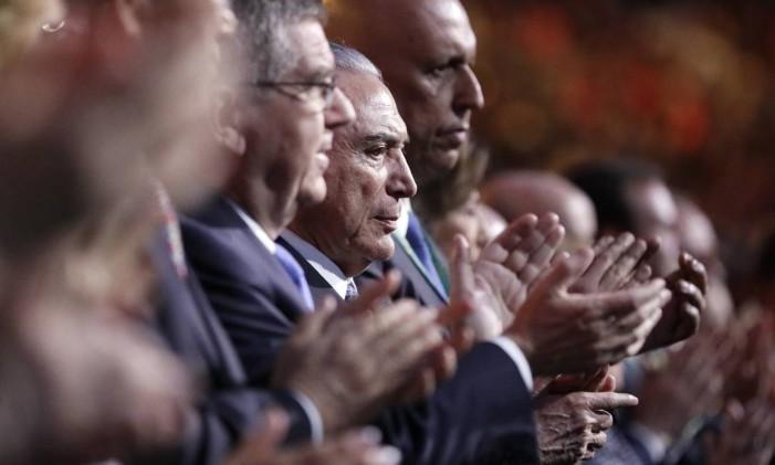 Michel Temer foi vaiado pela torcida brasileira durante cerimônia de abertura da Rio-2016 Foto: Mark Humphrey / AP
