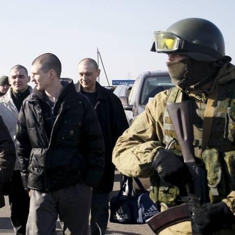 Troca de presos entre Donetsk e Ucrânia em fevereiro de 2016 Foto: Reuters