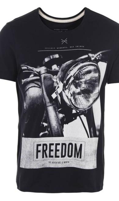 Camiseta Masculina Km Passarela (www.passarela.com), R$ 39 Divulgação
