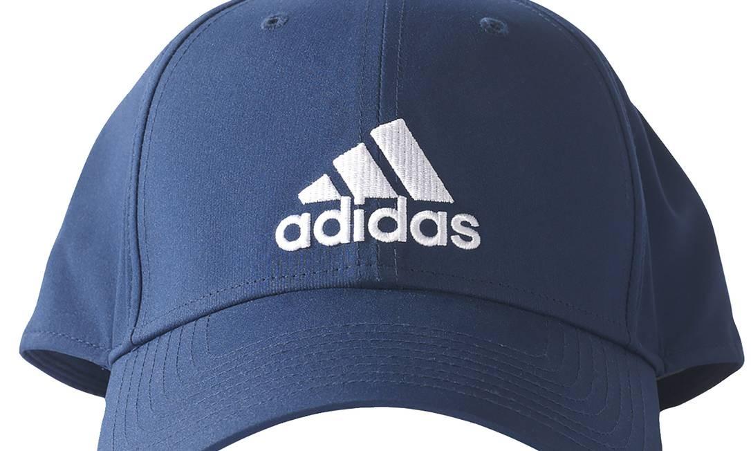 Boné Adidas Ess 3S Classic à venda na www.netshoes.com.br, R$ 49 Divulgação