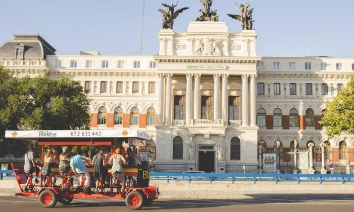 Bar sobre rodas em Madri, Espanha Foto: BBike / Divulgação