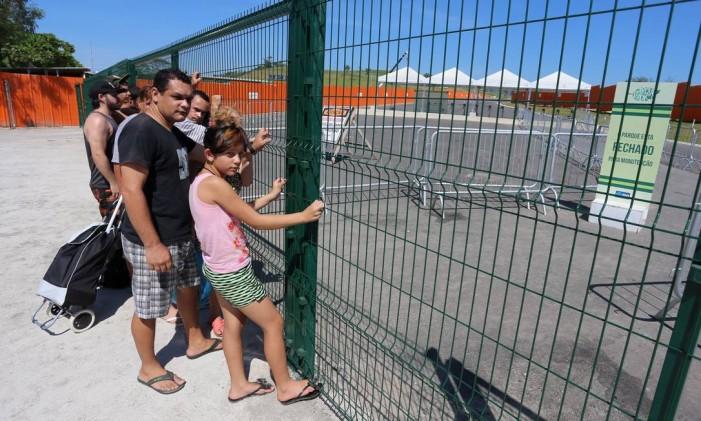 O Parque Radical de Deodoro, que deveria estar aberto à população, foi fechado após término do contrato da prefeitura com empresa que administrava o espaço Foto: Fabiano Rocha / Agência O Globo