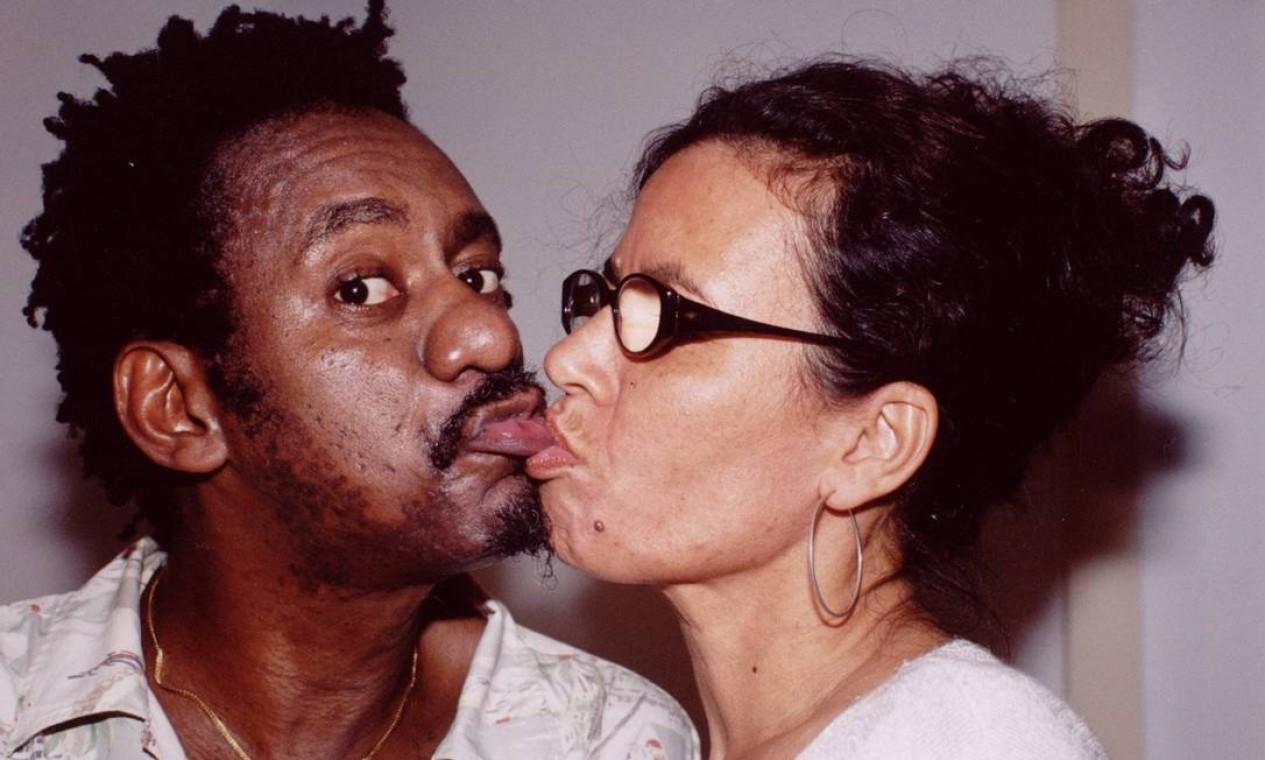 Luiz Melodia e sua mulher, Jane, em 10 de julho de 2003 Foto: Cristina Granato / Divulgação