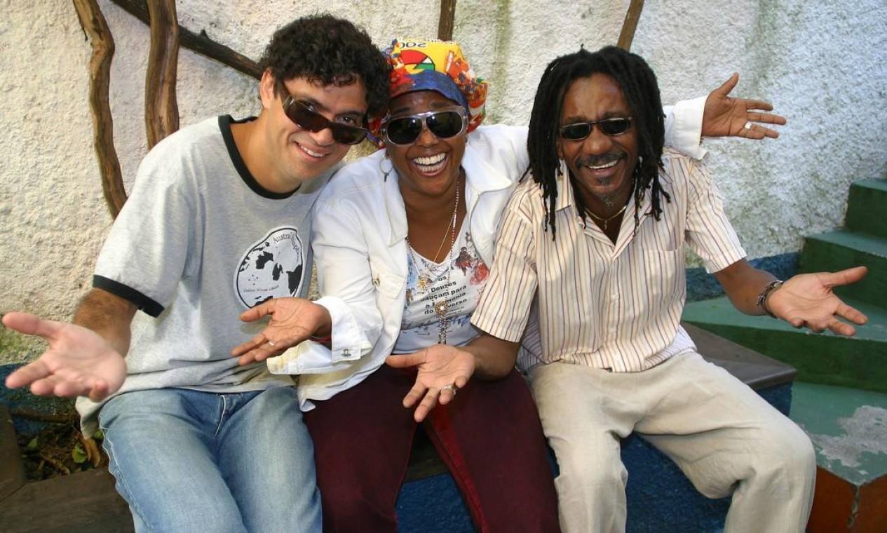 Jorge Vercilo, Sandra de Sá e Luiz Melodia em registro de 16 de novembro de 2005 Foto: Divulgação