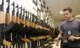 Receita Federal muda regras para fiscalização de cargas após apreensão de fuzis no Galeão