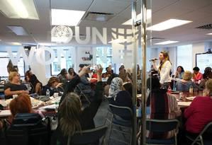Reunião da ONU Mulheres: entidade lidera movimento que defende o uso de conta satélite 24 September 2015. Photo: UN Women/Sarah Stacke Foto: UN Women/Sarah Stacke / UN Women/Sarah Stacke