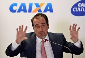 O presidente da Caixa, Gilberto Occhi, em coletiva em Brasília Foto: Renato Costa / Agência O Globo