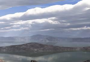 Marte mais quente poderia ganhar rios e lagos Foto: Arte / Nasa