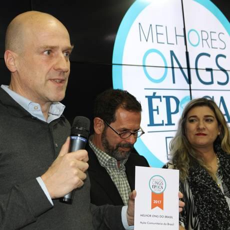 Representantes de ONG Vocação recebem prêmio em São Paulo Foto: Divulgação/Revista Época