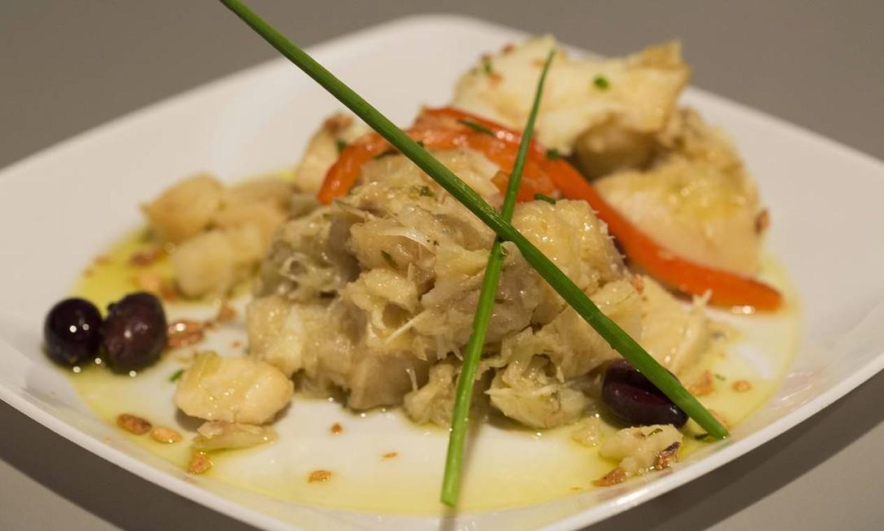 A porção do Bacalhau Gomes de Sá, do Rancho Português, é um dos pratos mais generosos do evento. Foto: Ana Branco / Agência O Globo