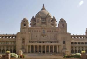 """O palácio de 347 quartos, considerado uma das residências mais luxuosas do mundo, foi usado como locação principal do filme """"Viceroy House"""", que retrata os últimos dias do império britânico na Índia. Foto: Mustafa Quraishi / AP"""