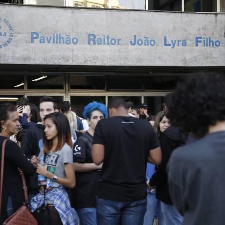 Alunos durante realização do primeiro exame de qualificação da uerj Foto: Thiago Freitas / Agência O Globo