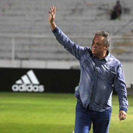 Abel Braga foi homenageado por jogadores e torcida da Ponte Preta Foto: Nelson Perez/Fluminense/Divulgação