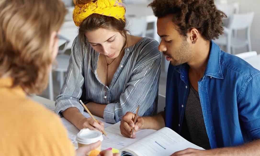 Faça um planejamento de estudos que seja realista com o tempo que você tem disponível e adequado às matérias que precisam de reforço Foto: Fotolia