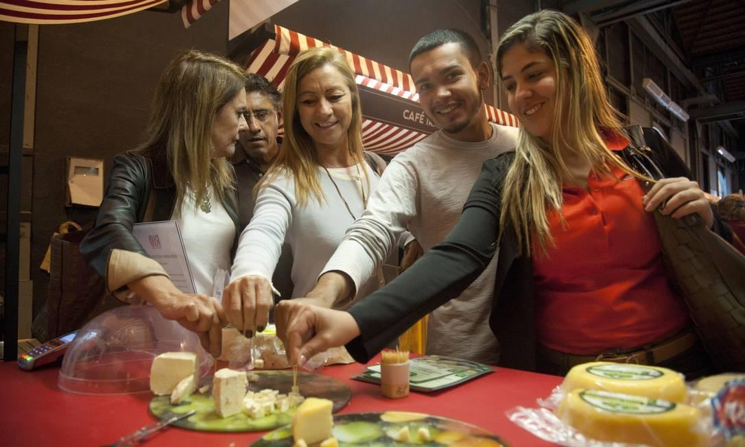 Os queijos da Fazenda Boa Fé também fizeram sucesso nesta quinta-feira Foto: Adriana Lorete / Agência O Globo