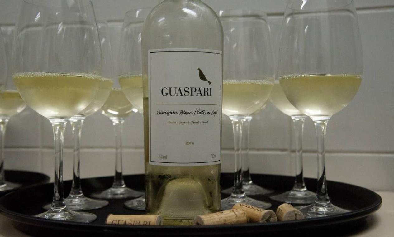 O Sauvignon Blanc Guaspari Foto: Adriana Lorete / Agência O Globo